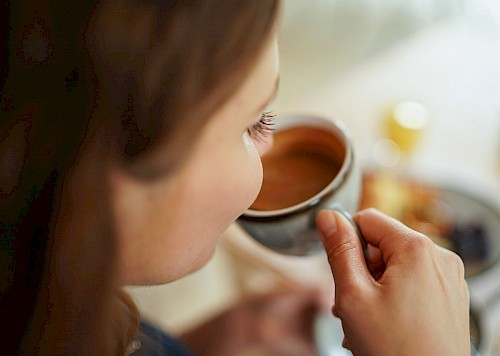 bergamo_galereie_frau_kaffeetrinken-1.jpg